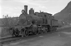 Locomotive No.376 at Grong station on the Namsos branch in the mid-1960s. (Norsk Jernbanemuseum)