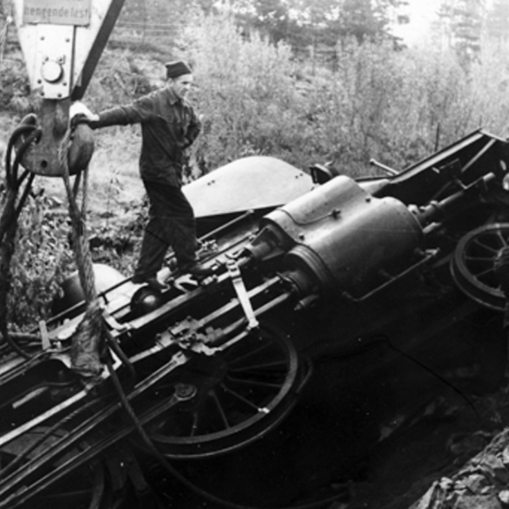 Class 21e No.207 derailed North of Kongsberg on the 1st October 1963. (Norsk Jernbanemuseum)
