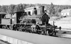 Type 21b No.314 at Nelaug station in 1957. (Norsk Jernbanemuseum)