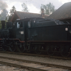 Class 21c No.372 at Roverud station. (Akershusbasen)