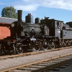 21c No.377 at Kirkenaer station on the Slor line. (Akershusbasen)