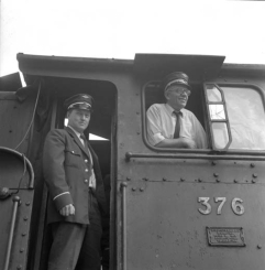 Driver Rolf Rasmussen and Fireman Odd Martinsen on 21c No.376 prior to its shipment to England. (Norsk Jernbanemuseum)
