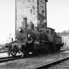 21c No. 376 at Dombås, on the way to Oslo for shipping to England. (Norsk Jernbanemuseum)